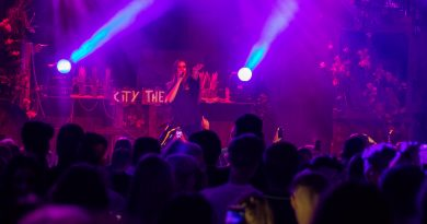 Zangeres maan city theater