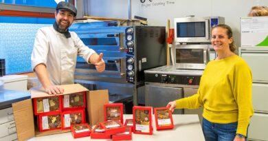 Elde maakt chocoladeletters voor de Vincentius Vereniging en Samen Sterk voor Meierijstad